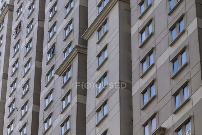 Close-up de janelas arranha-céus, Indonésia — Fotografia de Stock