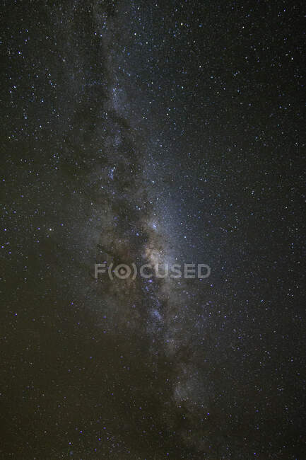 Long exposure shot of Milky Way over Milford Sound, South Island, New Zealand - foto de stock