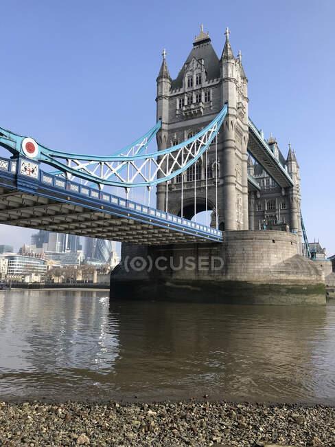 Tower Bridge over river Thames, Londres, Inglaterra, Reino Unido — Fotografia de Stock