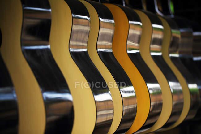 Rack com cor preto e branco — Fotografia de Stock